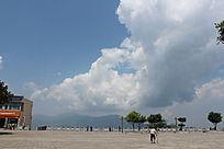 云南哈尼地区的一个高山县城