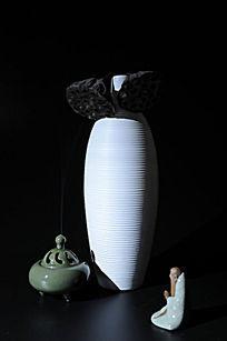 禅意图片香炉花瓶
