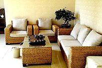 一套藤条沙发图片