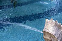 喷水池 蓝色游泳池