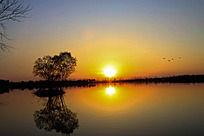 傍晚湖边小景