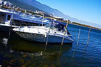 洱海上的小游艇