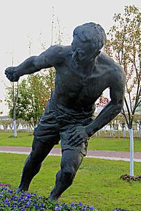 男性拉动作雕塑