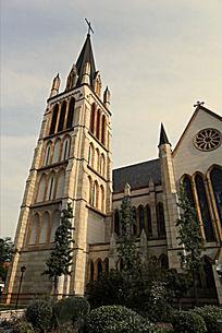 欧式复古夕阳下的圣神婚礼天主教教堂