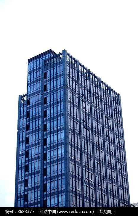 钢结构玻璃外墙的高层大楼