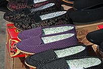 手工缝制的布鞋