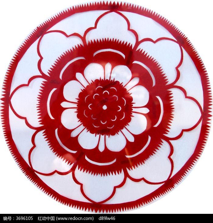 圆形红色大花剪纸