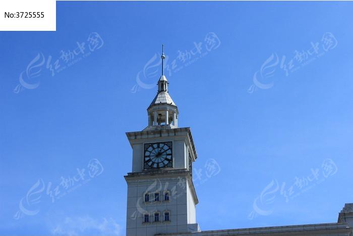 海口某单位大楼上的欧式钟楼图片