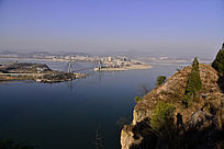 郧阳汉江河岸边小山丘