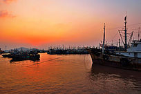 渔都海上日出太阳初升