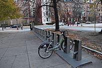 顿公园自行车停车位图片