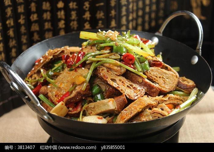 干锅油豆腐美食