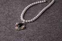 黑色宝石吊坠白色珍珠项链