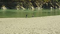 碧水怒江银色沙滩