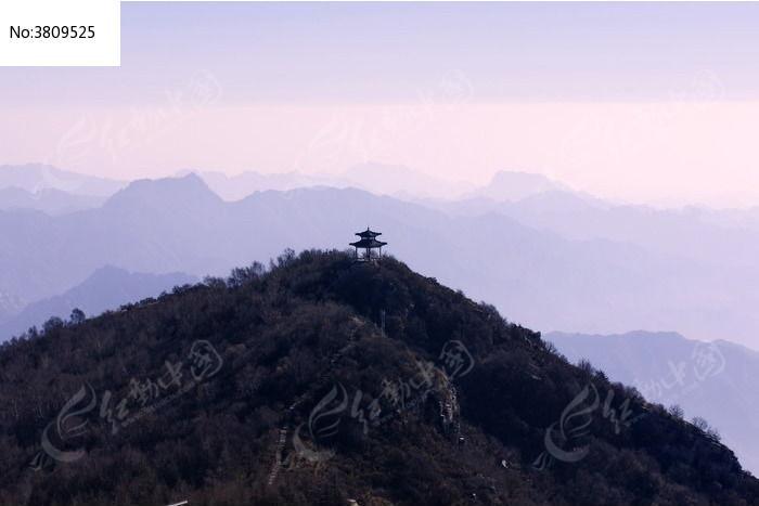 原创摄影图 自然风景 山峰山脉 森林山顶的小亭子远山仙境树木层峦