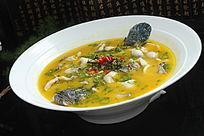 鲜椒酸汤生鱼片