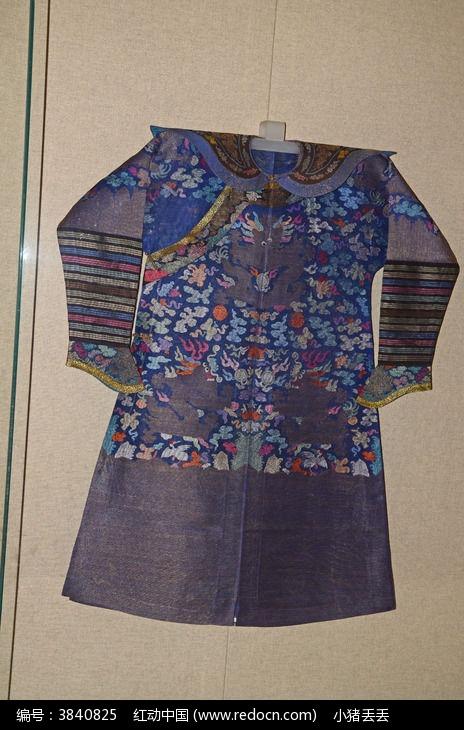 满族状花纱蟒袍