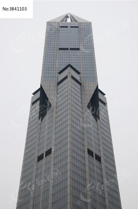 仰望上海大剧院主塔楼图片