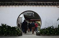 上海豫园怀旧月亮门