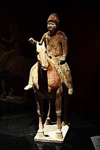 唐代陶彩绘骑马俑