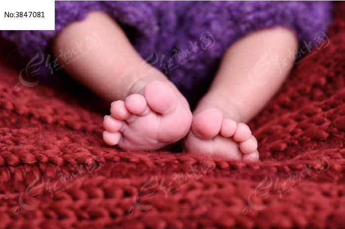 宝宝可爱的小脚丫