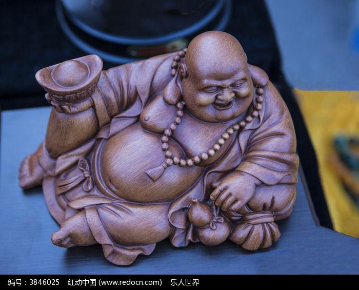 木质弥勒佛雕刻图片