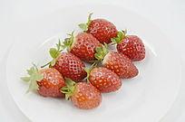 摆放整齐草莓图片