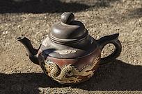龙图案茶壶