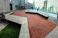 老厂区改造后的休闲广场