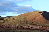 西藏蓝天白云草原大气山丘