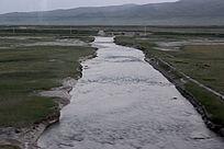 西藏路上大气山河