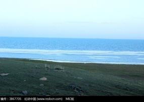 远景蔚蓝的青海湖