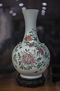 菊花图瓷瓶