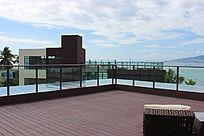 宽阔的观海阳台
