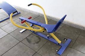 拉手拉力体育器材