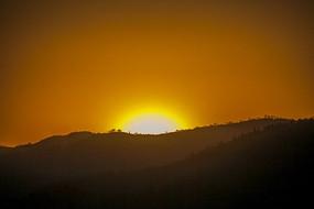 日落西山  夕阳红