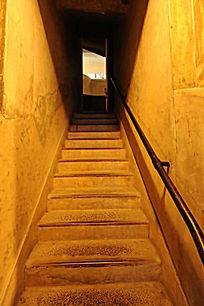 19叁III室内 楼梯仰视