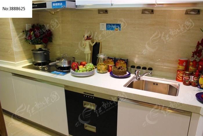 厨房装修摆设图