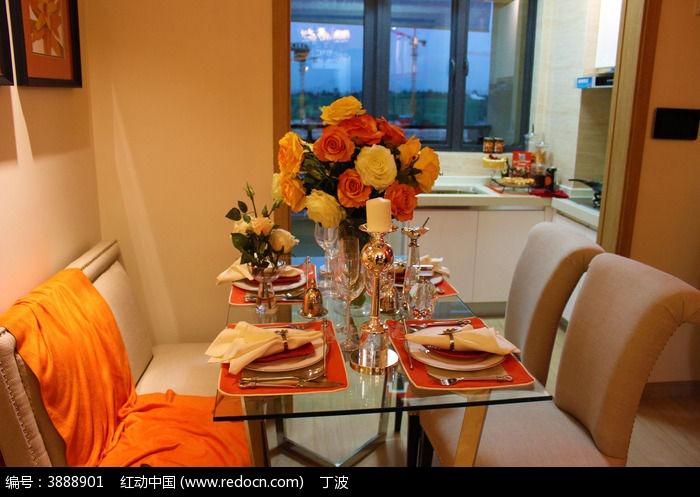 原创摄影图 建筑摄影 家庭装潢 欧美现代餐桌摆设图