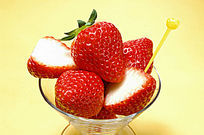 切开的草莓