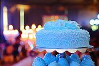婚礼用蓝玫瑰多层蛋糕