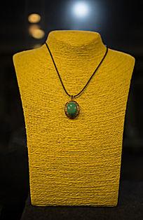 祖母绿吊坠项链