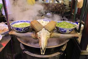 陕西羊肉泡馍大锅羊头