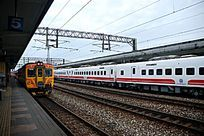 捷运列车进站