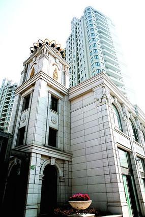 上海嘉利浦江公馆外墙石材线条局部摄影图