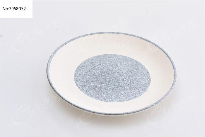 纸杯和碟子的手工制作