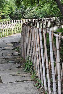 竹栏杆的小径
