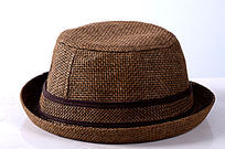 一顶棕色儿童礼帽