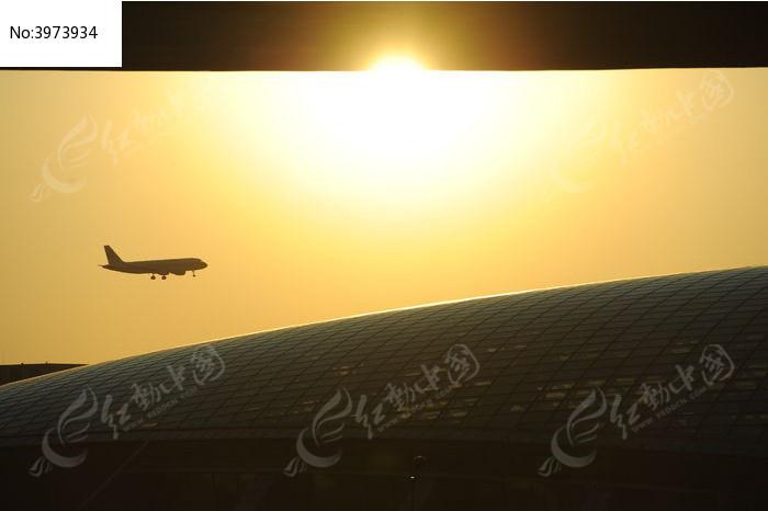 正在起飞的飞机