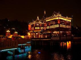 上海豫园绿波浪酒楼全景